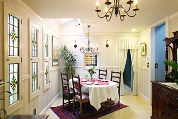 コマチ家具の施工例 コーナー別デザイン集ステンドグラスのデザイン集